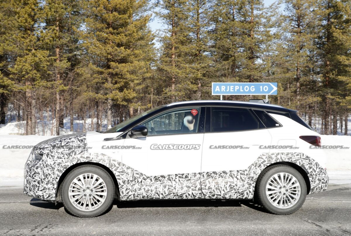 Opel Grandland 2022 ultimo prototipo foto spia