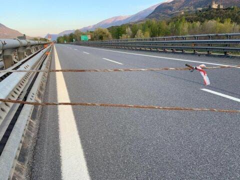 Protesta No Tav sull'autostrada Torino-Frejus 2