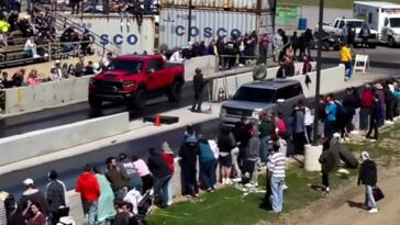 Ram 1500 TRX vs Ford Flex drag race