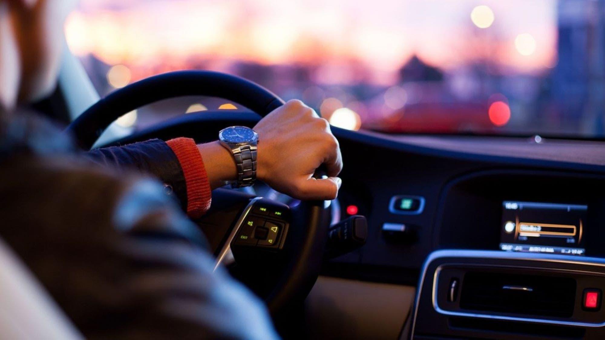 Sei un pendolare che va in auto da solo Risparmia in due modi