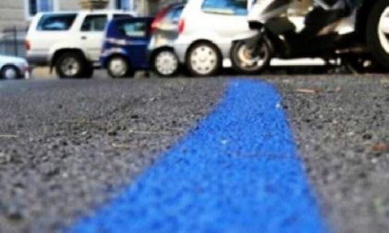 Sosta su strisce blu