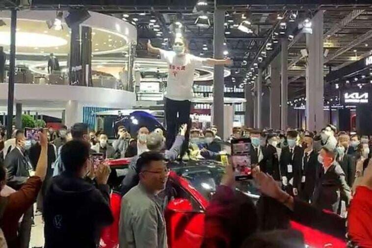 accuse contro Tesla