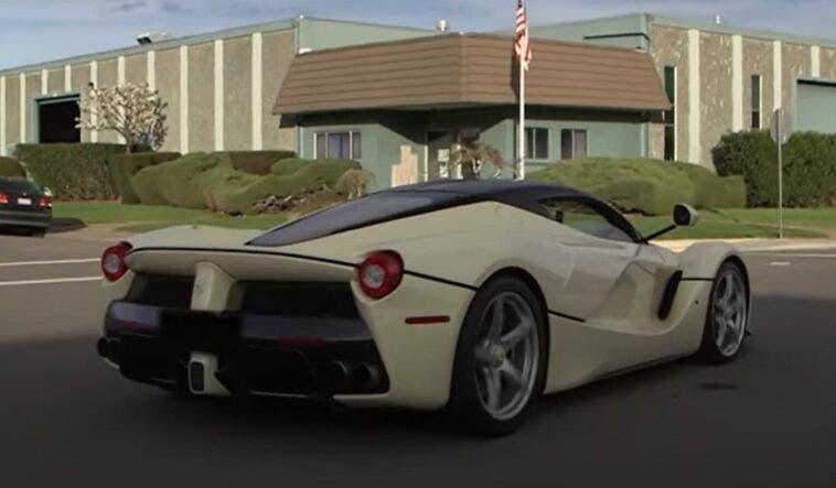 Ferrari LaFerrari bianca