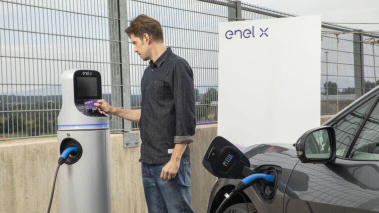 App ricarica elettrica Enel X