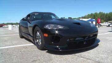 Dodge Viper 3200 CV nuovo record velocità quarto di miglio