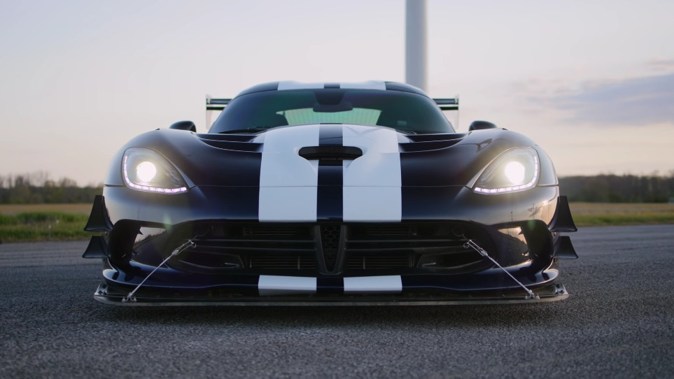 Dodge Viper ACR Throttle House