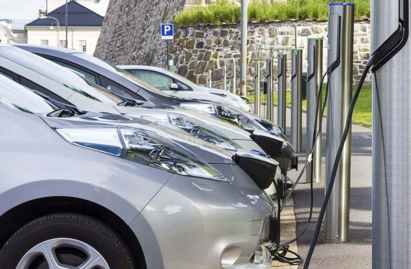 Veicoli elettrici incentivi USA UAW
