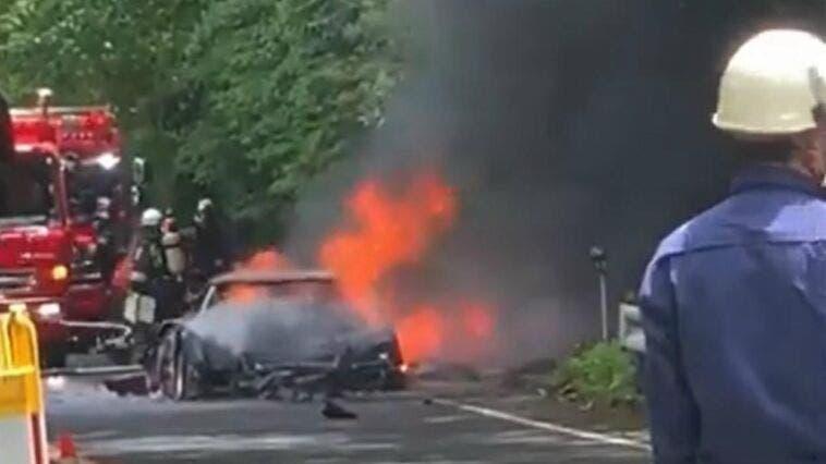 Ferrari F40 in fiamme