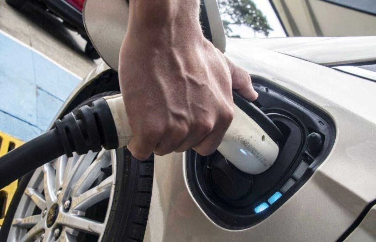 Auto elettrica: 13 miliardi nel Piano di rilancio della Spagna - ClubAlfa.it
