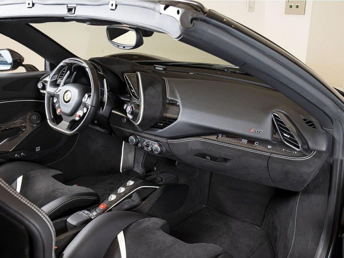 Ferrari J50 692 km vendita