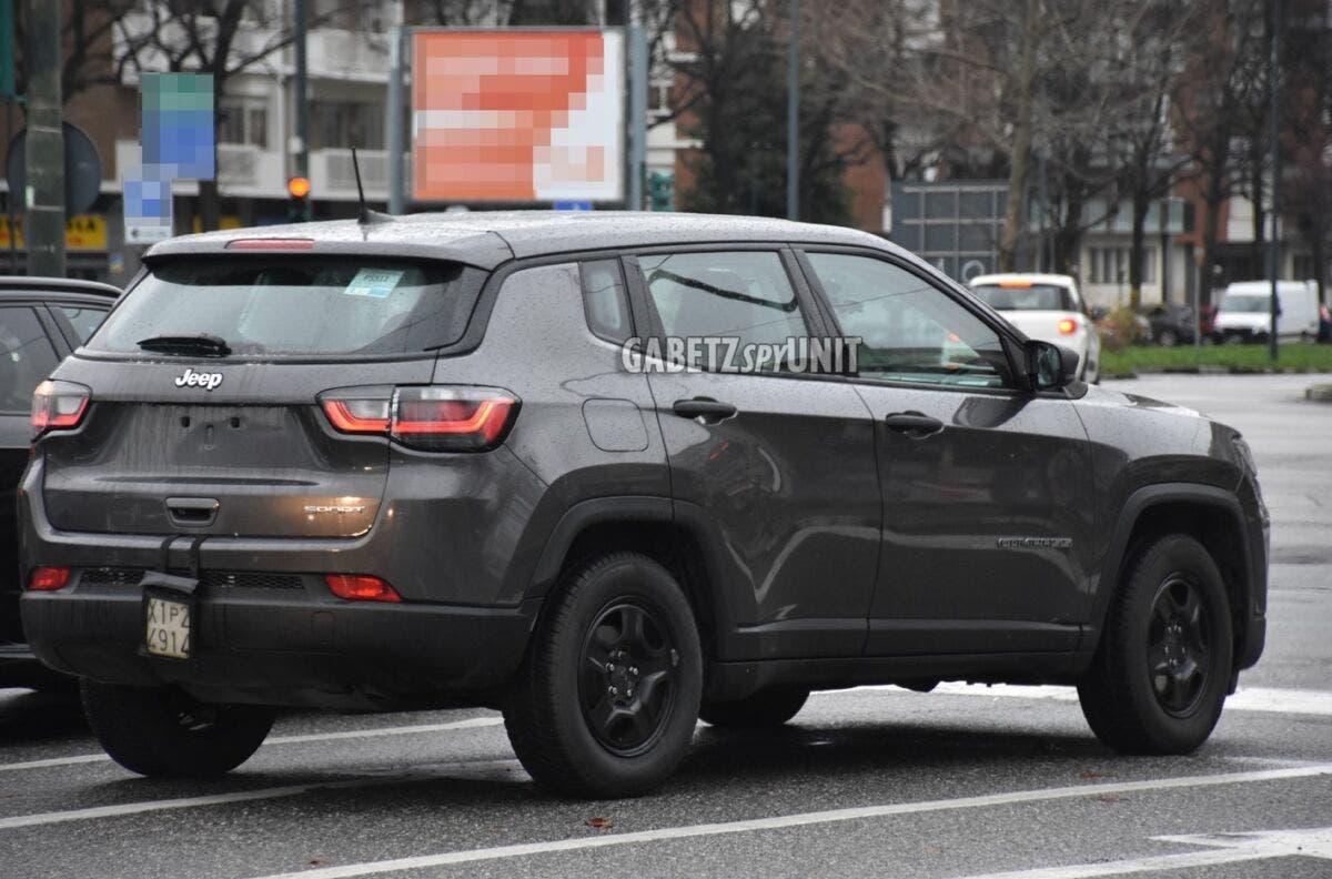 Jeep Compass 2022 mild hybrid foto spia