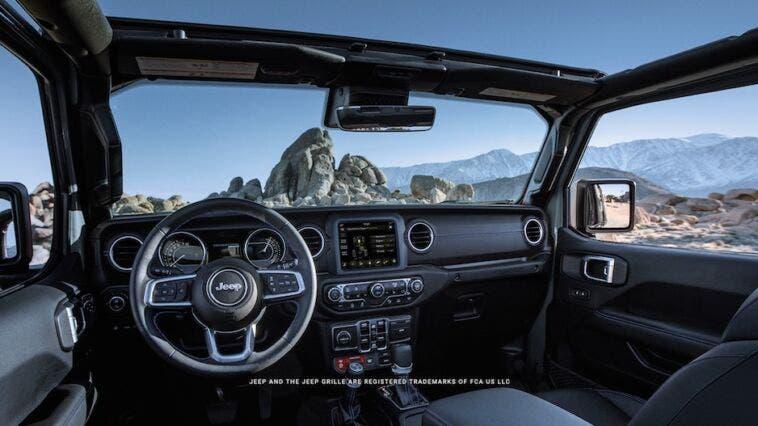 Jeep Gladiator 4xe foto interni