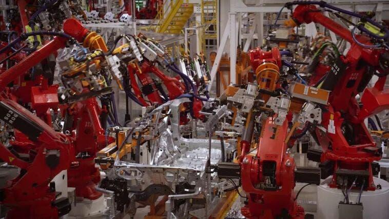 Jeep Grand Cherokee L processo costruzione