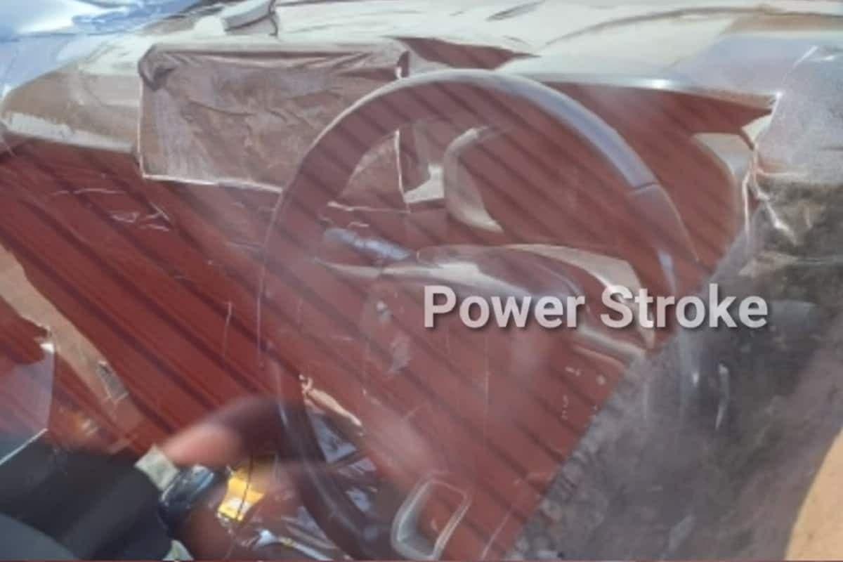 Nuova Citroën C3 interni posteriore foto spia