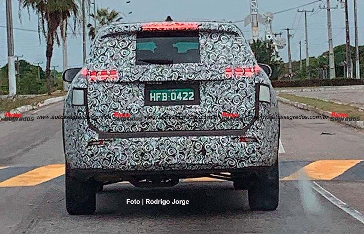 Nuovo Jeep Commander foto spia Brasile