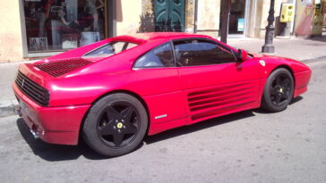 Supercar Ferrari 348