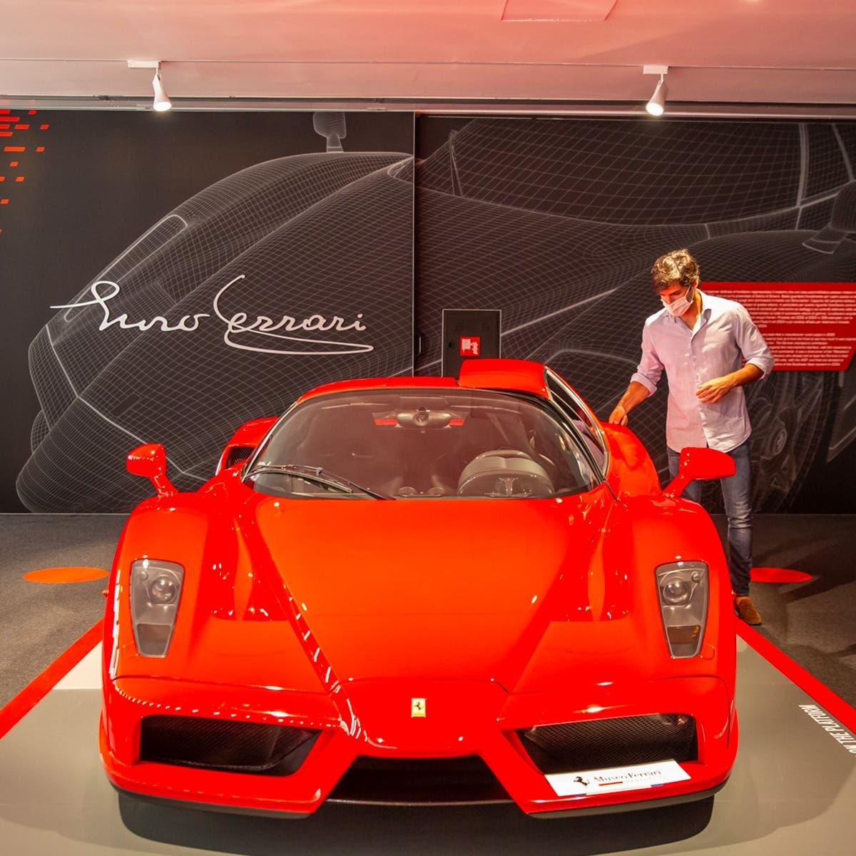 Carlos Sainz Jr e la Ferrari Enzo