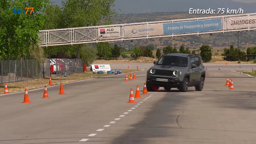 Jeep Renegade 4xe test alce