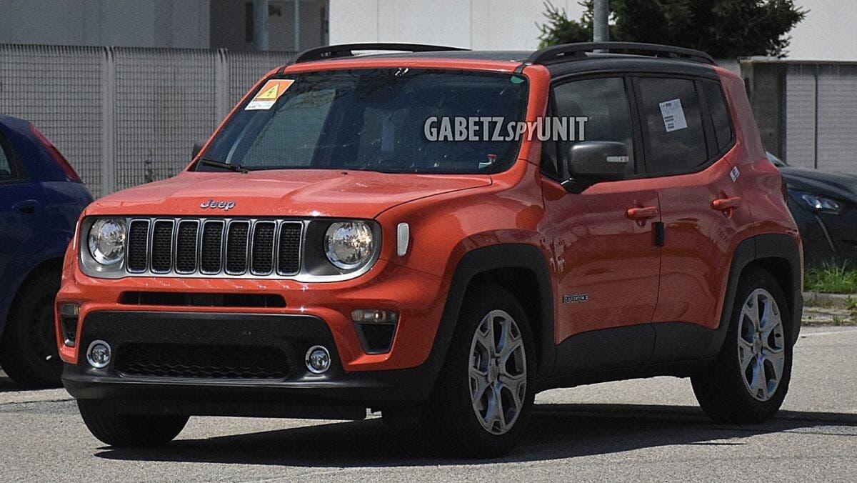 Jeep Renegade mild hybrid foto spia