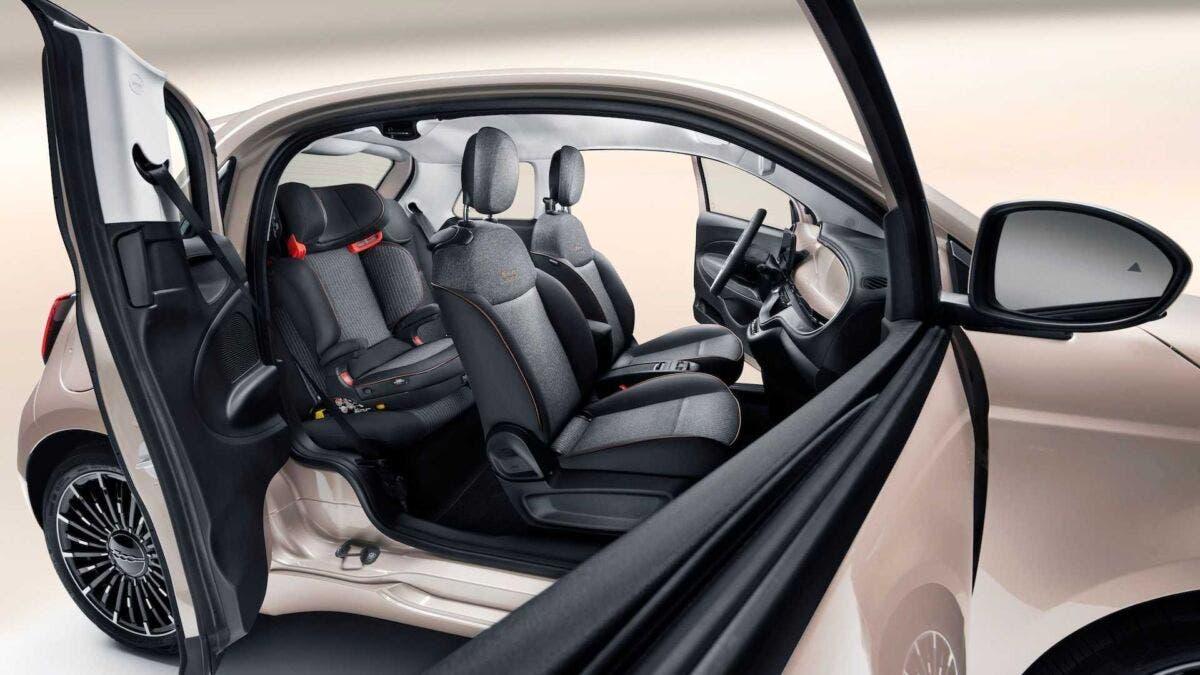 Nuova Fiat 500 Elettrica premio UK
