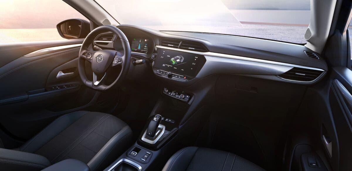 Opel Corsa-e sempre connessa