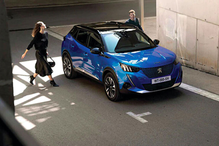 Peugeot e-2008 Allure Pack finanziamento