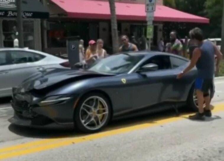 Ferrari Roma incidente