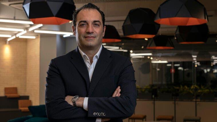 Antonio Filosa premio REI