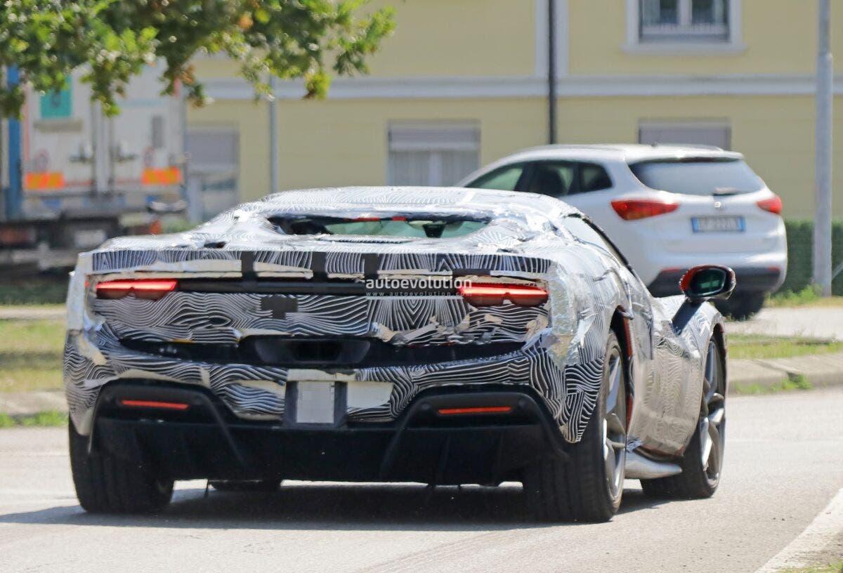 Ferrari 296 GTS prime foto spia