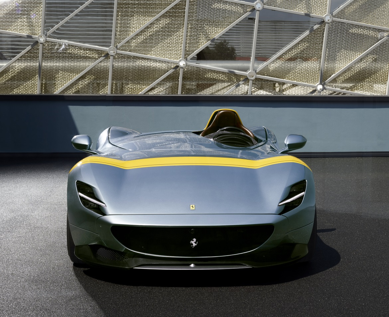 Ferrari Monza SP1 - Carwow