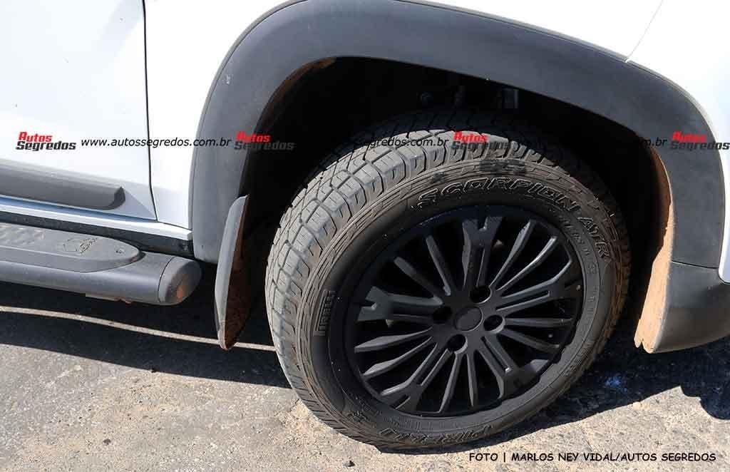 Fiat Strada Ranch CVT prototipo foto spia