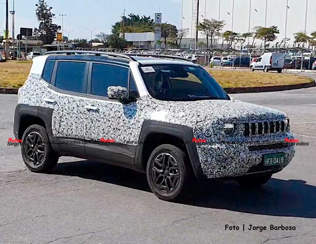 Jeep Renegade 2023 prototipo foto spia