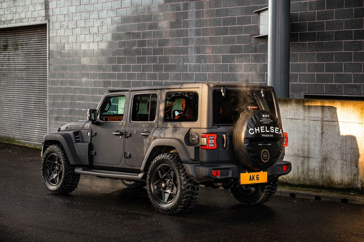 Jeep Wrangler Black Hawk Kahn Design