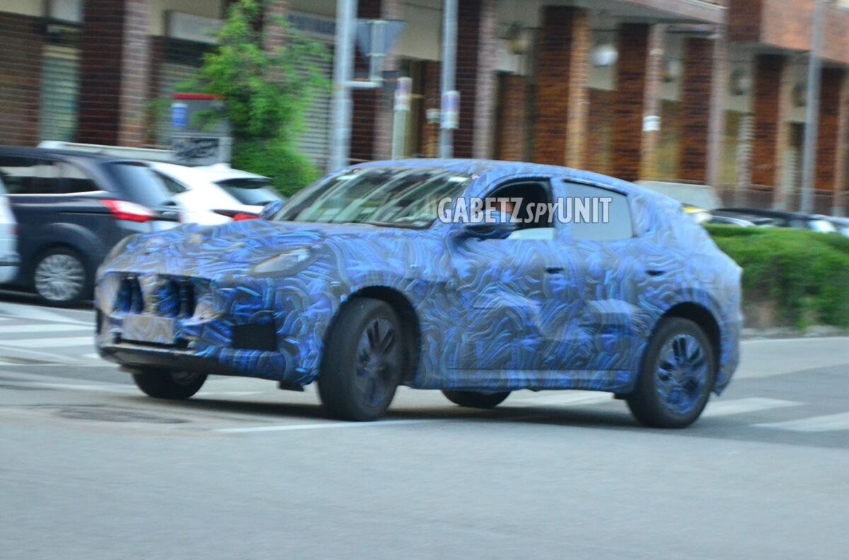 Nuovo Maserati Grecale ultime foto spia