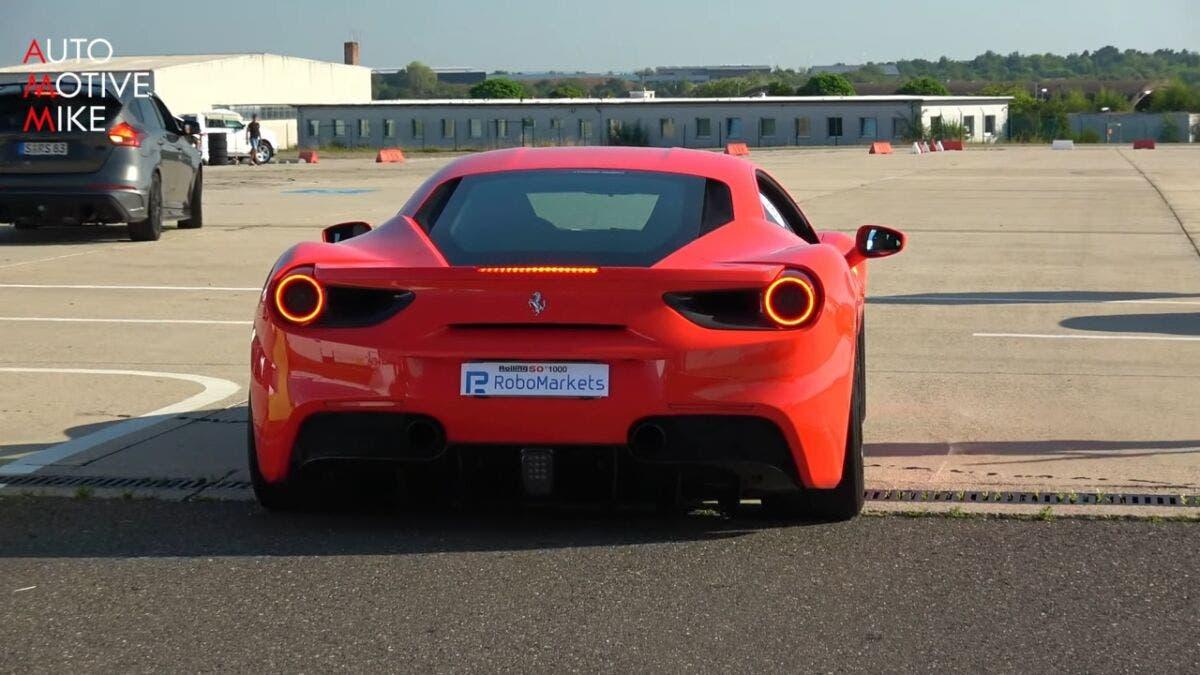 Ferrari 488 GTB vs McLaren 720S drag race