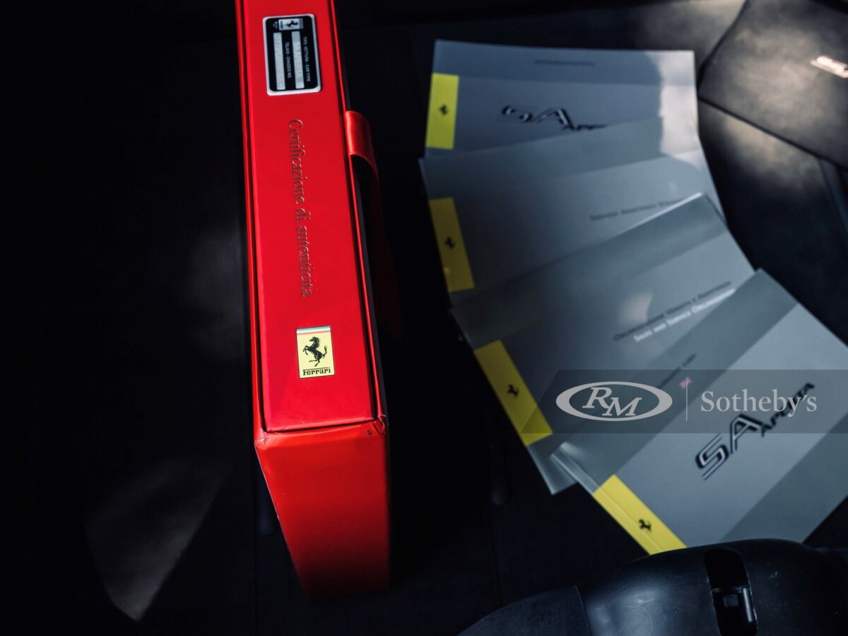 Ferrari SA Aperta 2011 asta