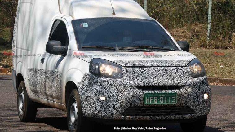 Fiat Fiorino 2022 frontale diverso foto spia