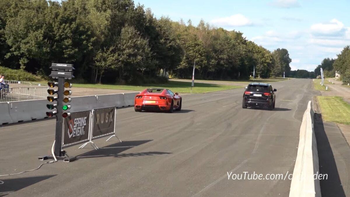 Jeep Grand Cherokee Trackhawk vs Ferrari 812 GTS drag race