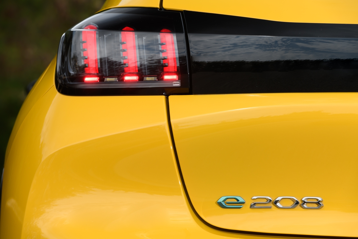 Peugeot e-208 GT Brasile