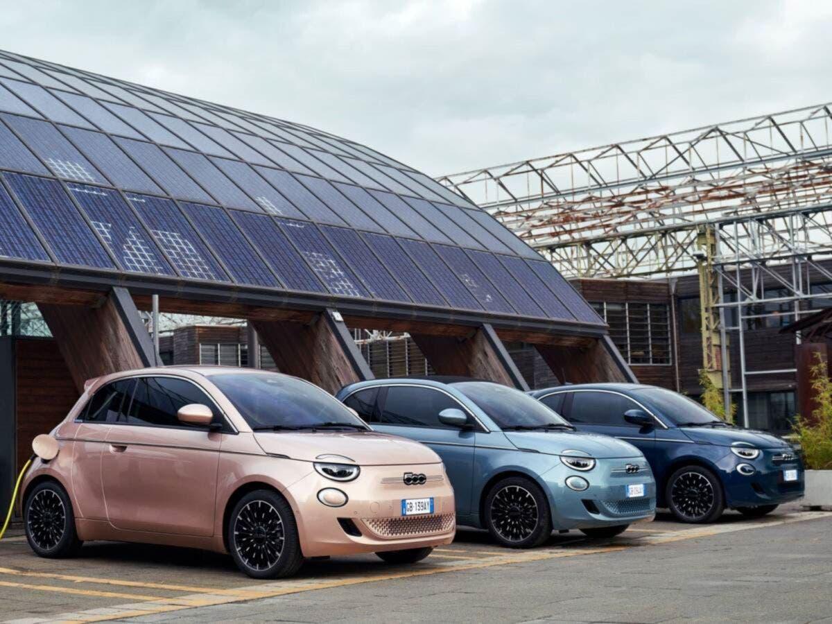 Fiat Nuova 500 elettrica in offerta 2 anni di ricariche incluse