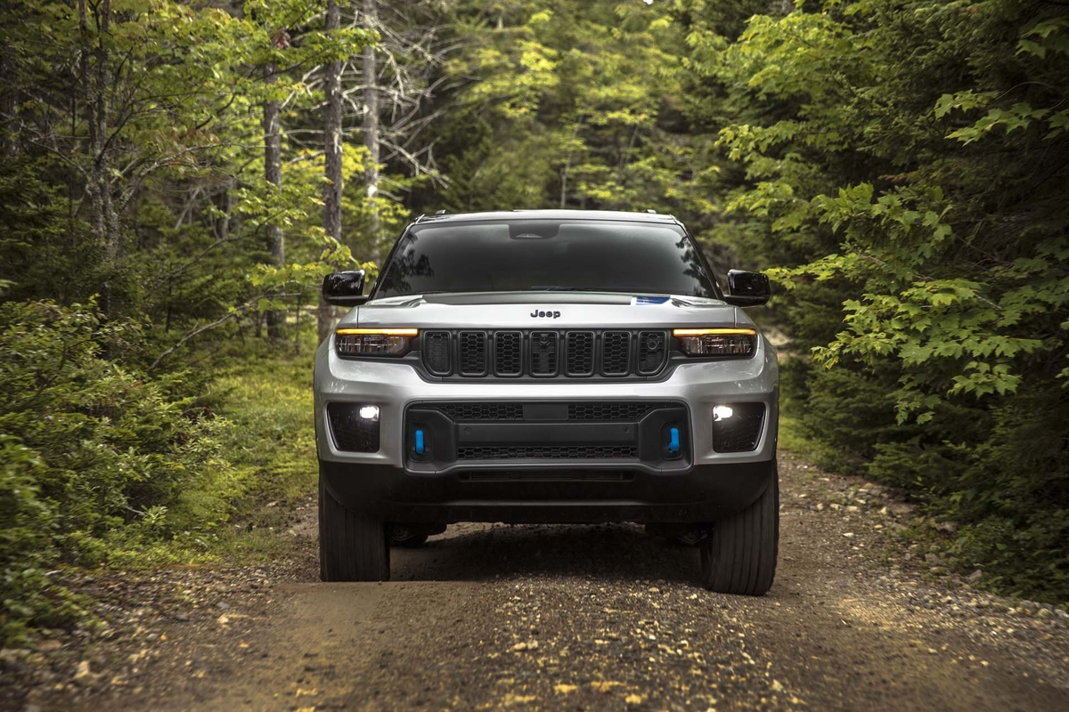 Jeep Grand Cherokee 2022 motore V8
