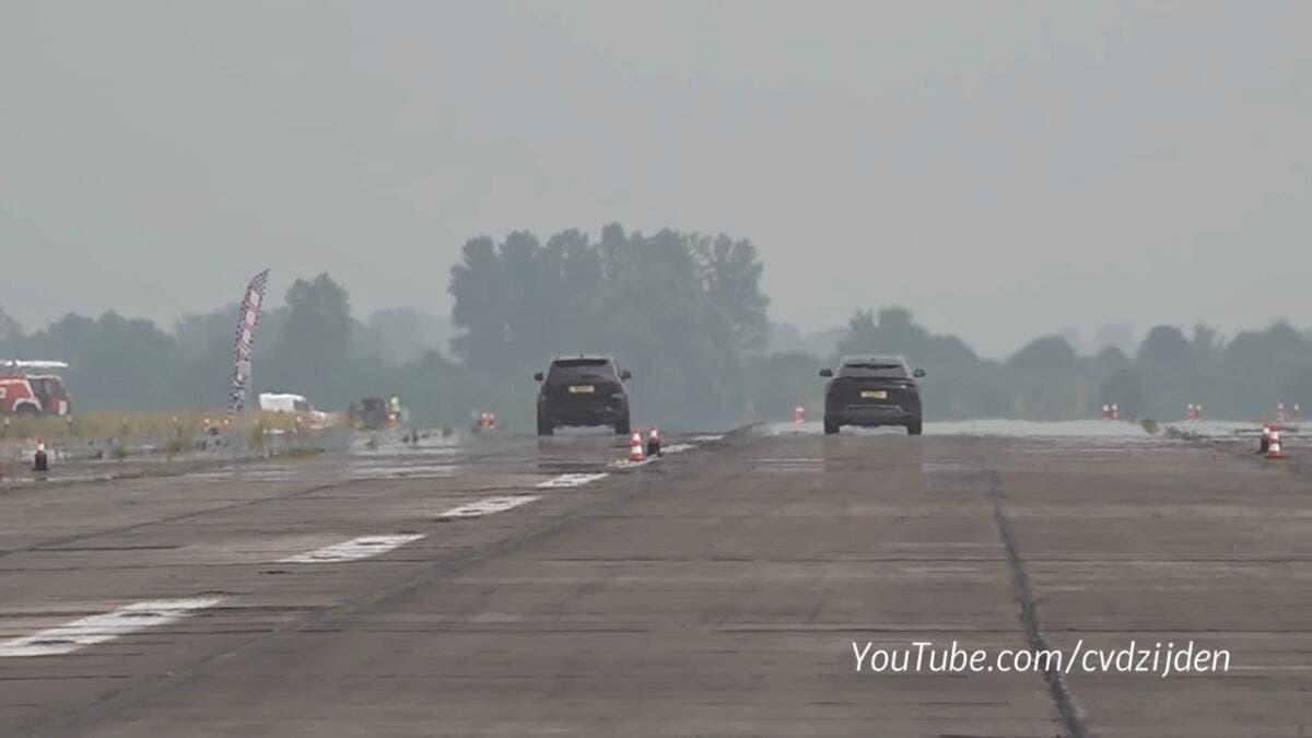 Jeep Grand Cherokee Trackhawk vs Lamborghini Urus drag race