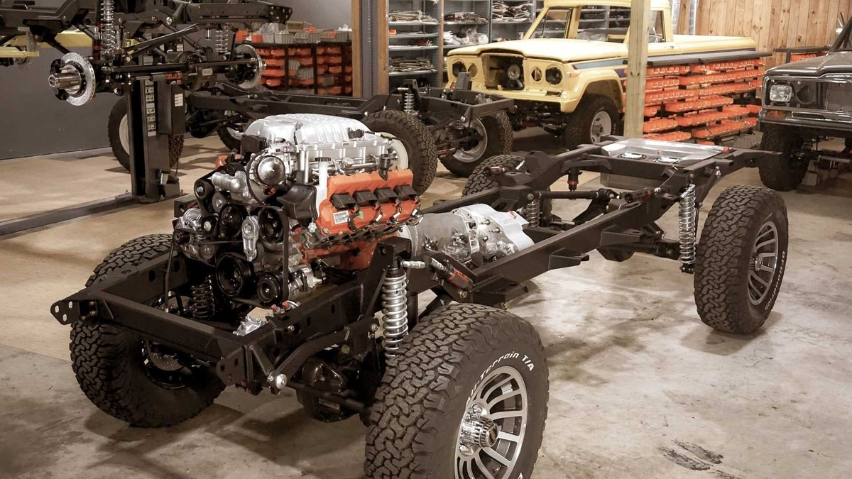 Jeep Grand Wagoneer Vigilante